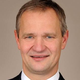 Dr Ernst Giese